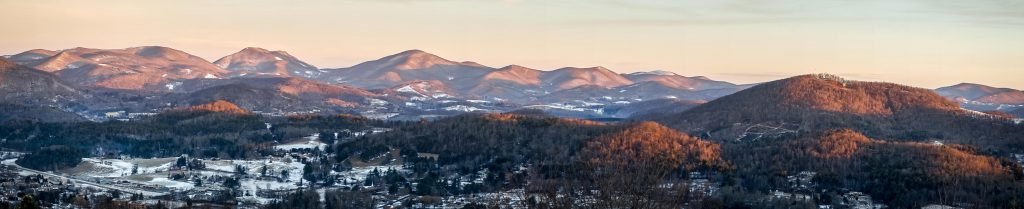 I woke up at 04:30 to see the Super Blood Blue Moon thing, but all I got was this panorama of Boone.