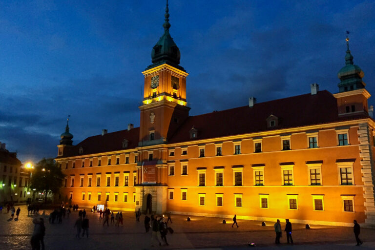 Warsaw Castle at night