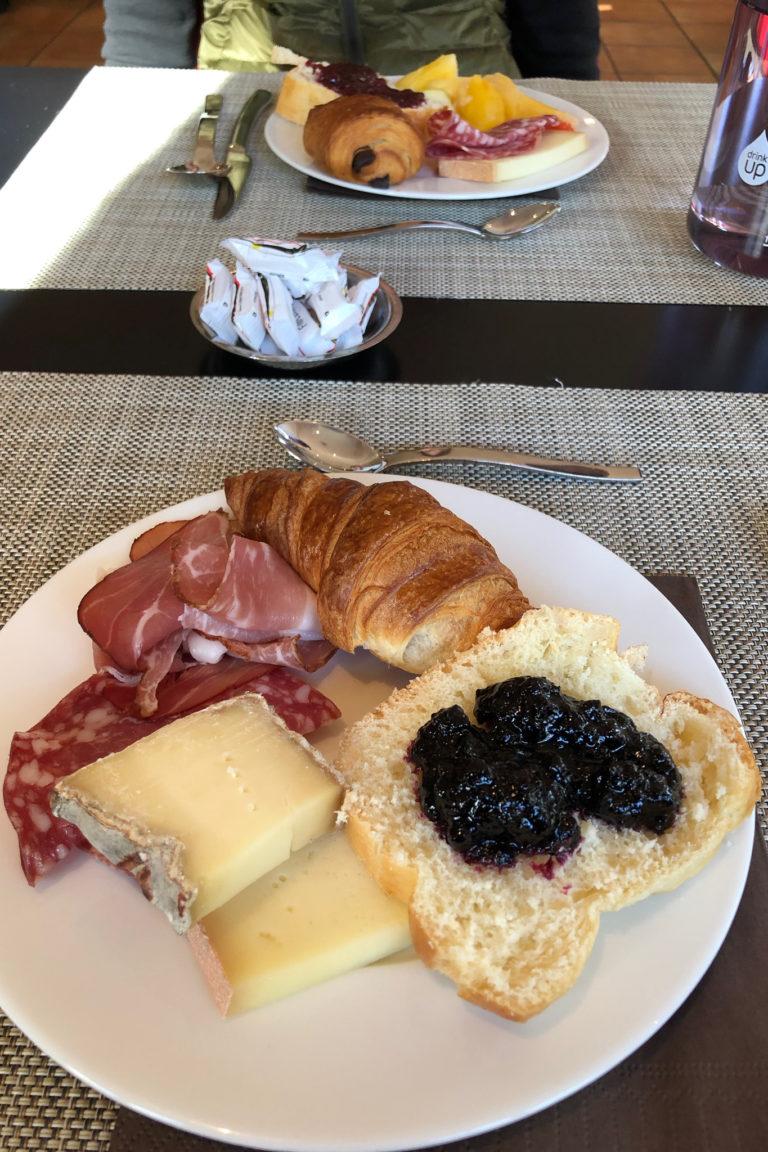 Breakfast at Hotel de l'Arve